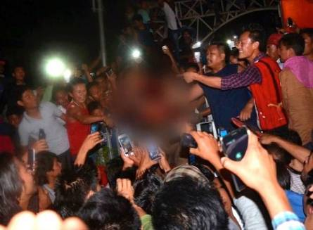 Lynching of the rape accused in Dimapur. Photo courtesy: ABPLive.